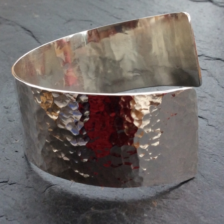 Hammer textured cuff - twist shape