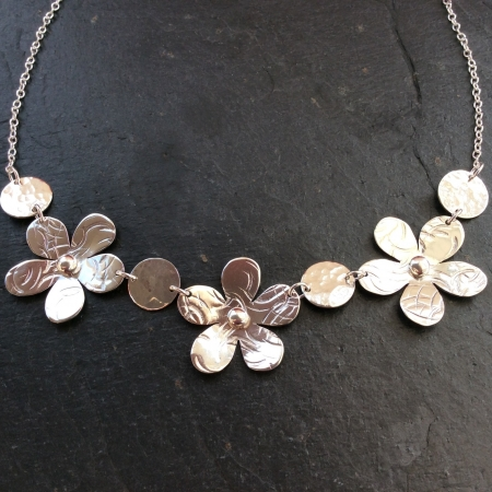 3 Flowers Necklace