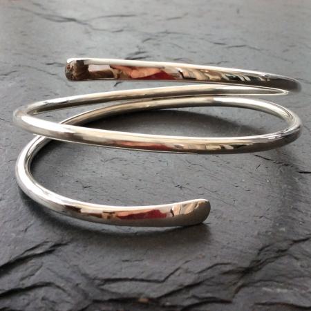 Spiral planished end bracelet