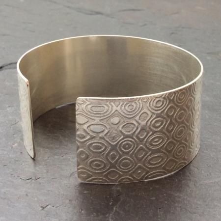 Retro design silver cuff bracelet
