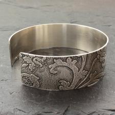 Flower design cuff bracelet