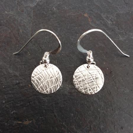 Dangle disc earrings