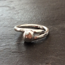 Little pebble ring