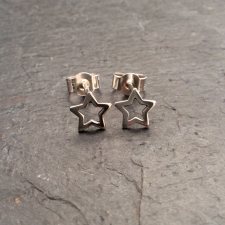 Star Outline Stud Earrings