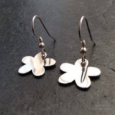 Polished Flower Dangle earrings
