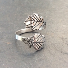 Oak Leaves Overlap Ring