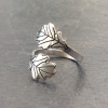 Oak Leaves Overlap Ring