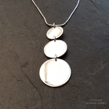 3 circles necklace